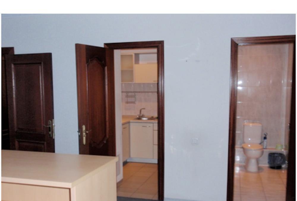 Продам офисное здание Киев, Спасская ул. 4