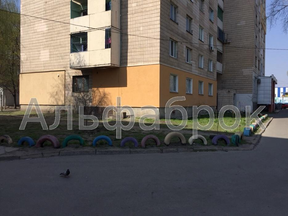 Продам торговое помещение Киев, Стальского Сулеймана ул.