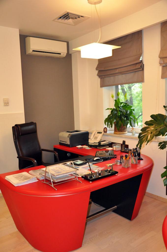 Продам офис в многоквартирном доме Киев, Грушевского Михаила ул.