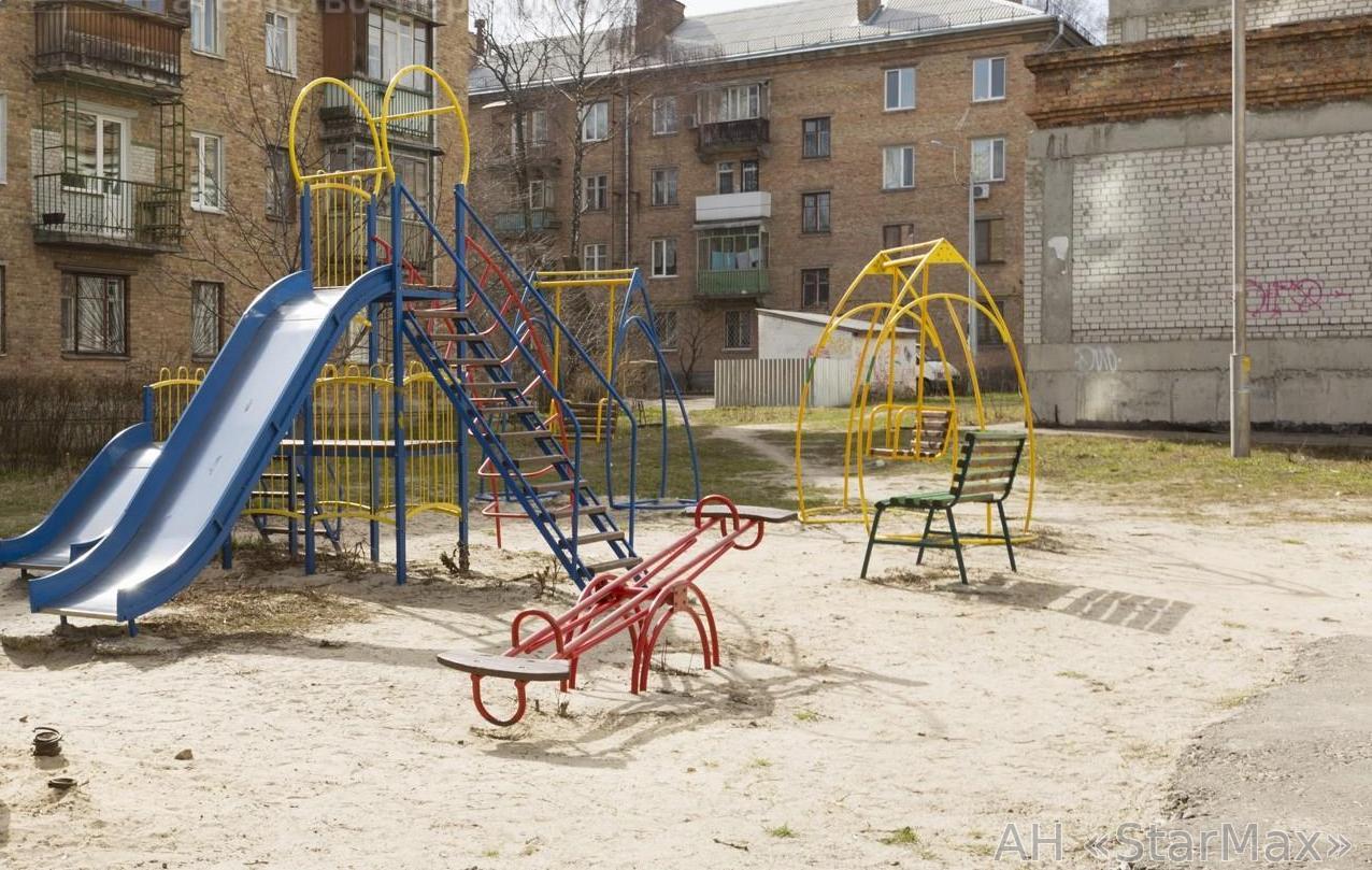 Продам квартиру Киев, Волынская ул. 3