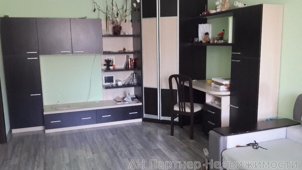 Продам квартиру Киев, Урловская ул. 5