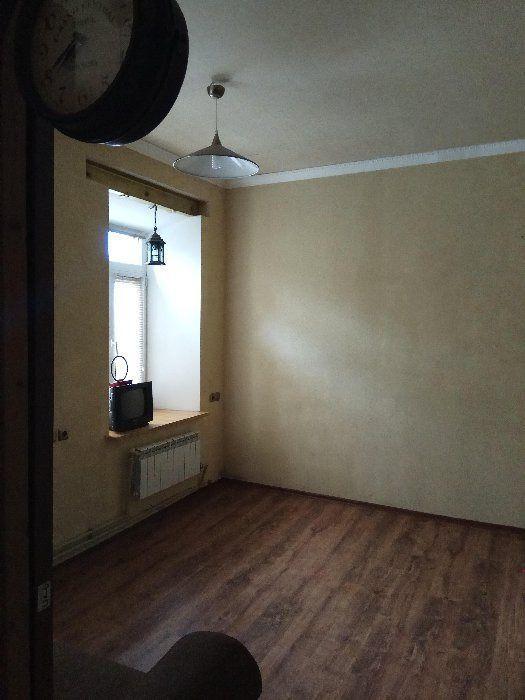 Продам квартиру Днепропетровск, Ленина ул. 3